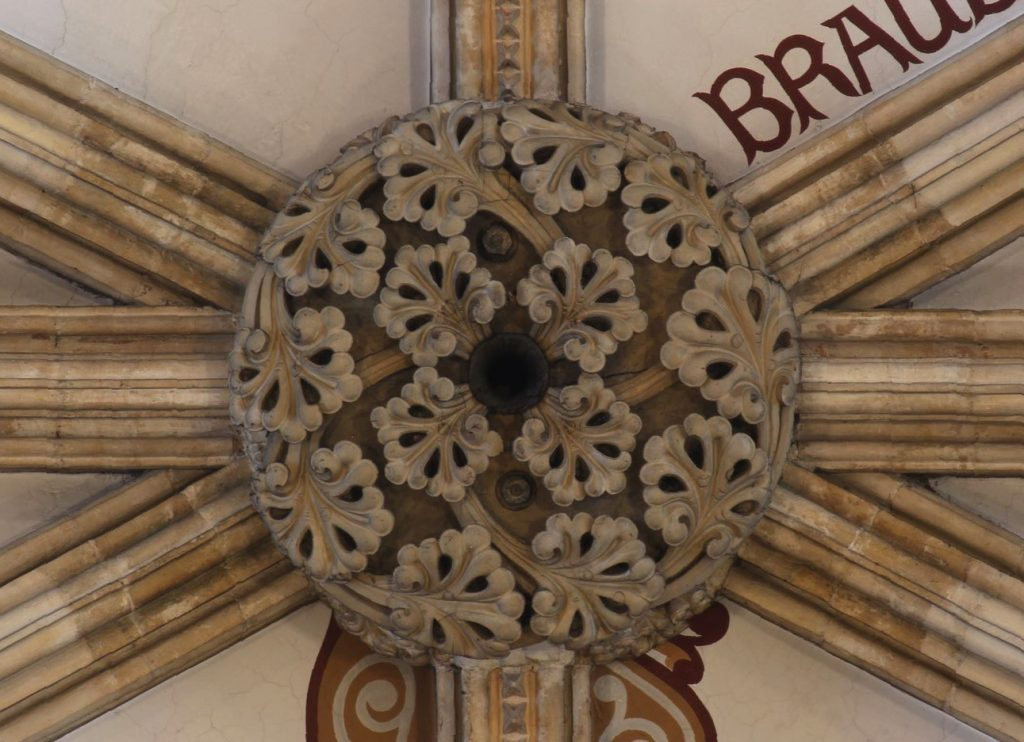 Image of boss in the nave high vaults at Lincoln Cathedral