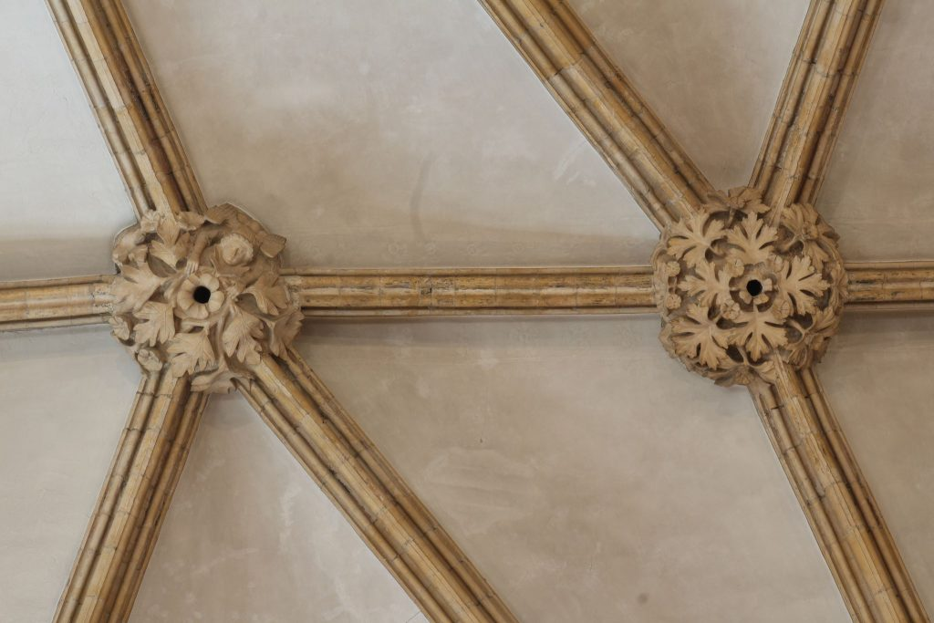 Image of bosses and ribs in the east crossing at Lincoln Cathedral