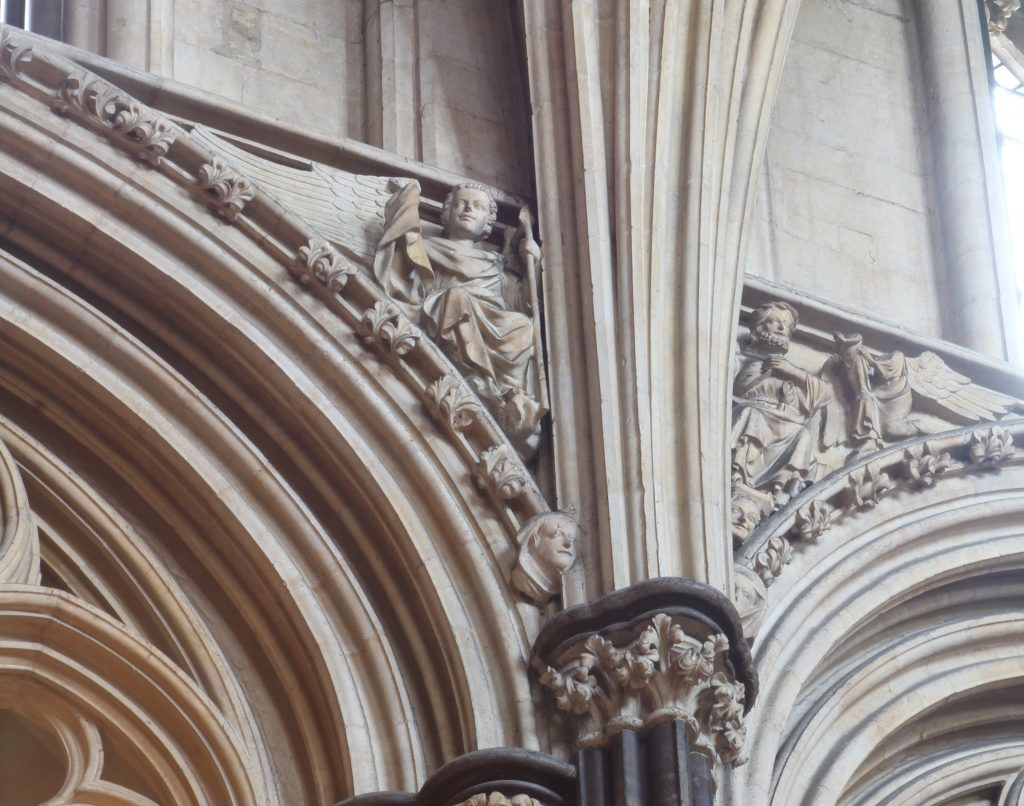Image of angelic spandrel sculptures in the Angel Choir at Lincoln Cathedral