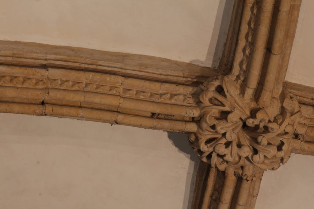 Image of dogtooth pattern rib moulding in St Hugh's Choir aisle at Lincoln Cathedral