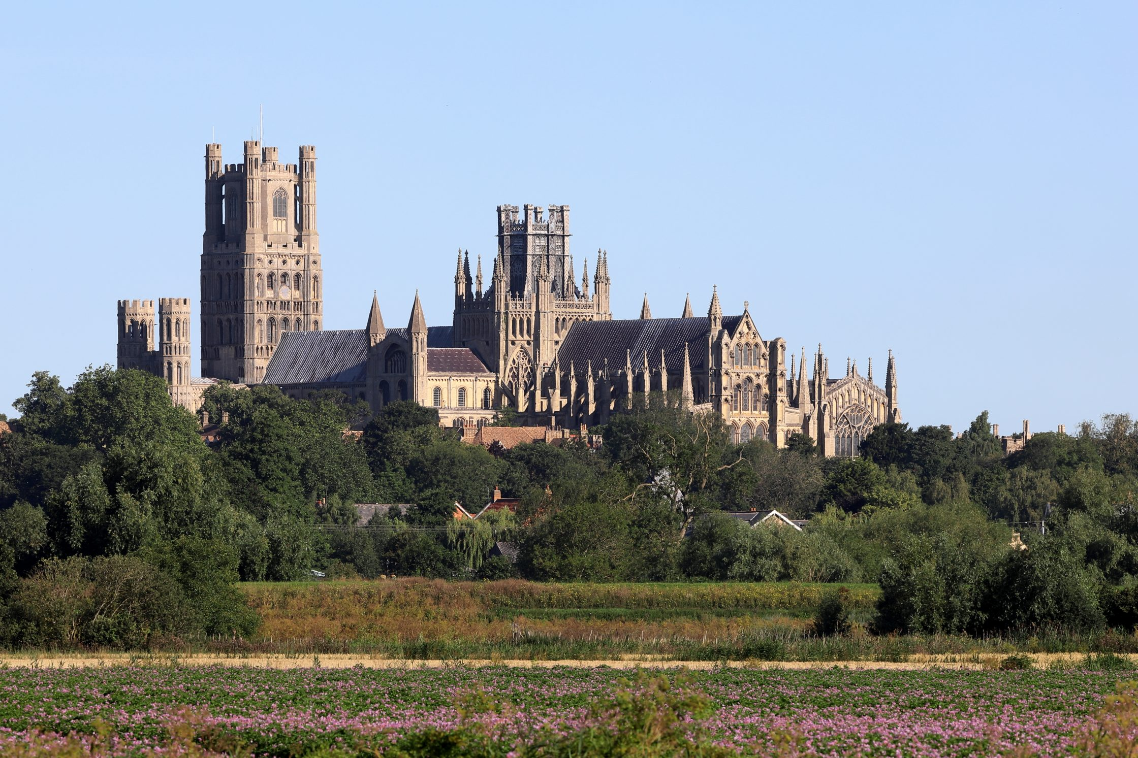 Ely_Cathedral_from_Quanea_Drove_F