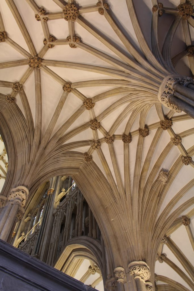 Image of vault in the retrochoir at Wells Cathedral, looking up